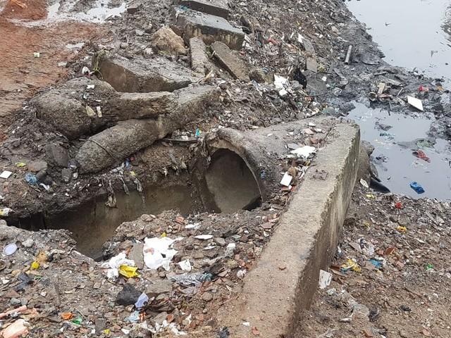 Obras abandonadas e falta de saneamento põem moradores de Manguinhos em risco, aponta CPI
