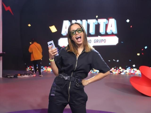 Anitta recebe Melin e É o Tchan na estreia de 'Anitta entrou no grupo'