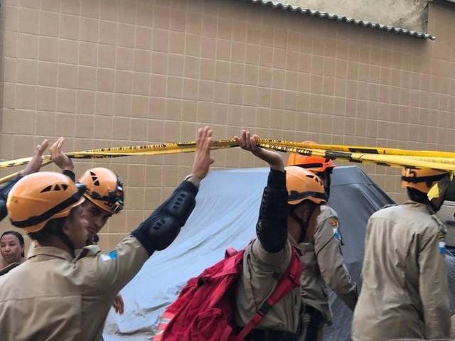 Morre no hospital adolescente retirado dos escombros na Muzema