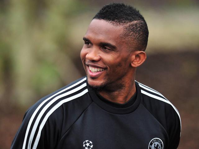 Eto'o e Drogba são os novos colaboradores oficiais do presidente da CAF