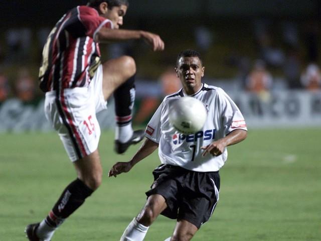 Veja fotos da grande final entre Corinthians e São Paulo, em 2003