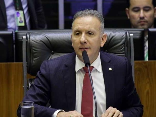 Aguinaldo Ribeiro (PP-PB) é oficializado líder da maioria na Câmara