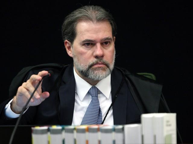 Considerado bom gestor por colegas e alvo de críticas por ligação com o PT, Toffoli é ministro mais jovem a assumir o STF