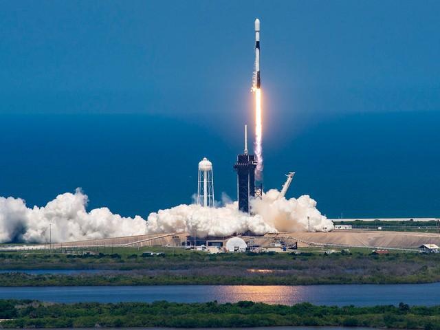 SpaceX quer vender arte na Lua usando NFTs e dogecoin
