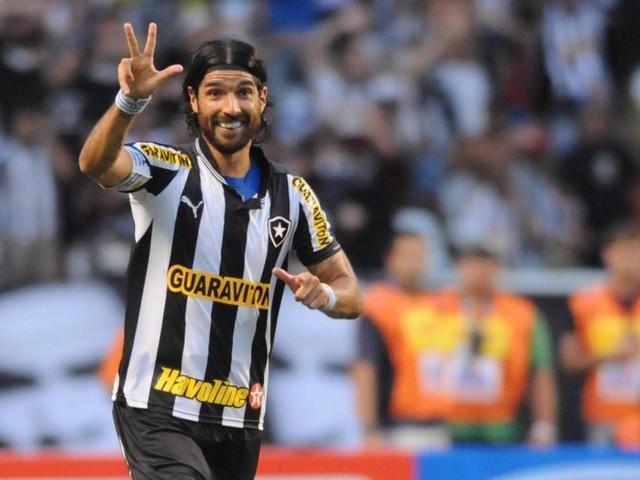 Loco Abreu será jogador e técnico de time de El Salvador