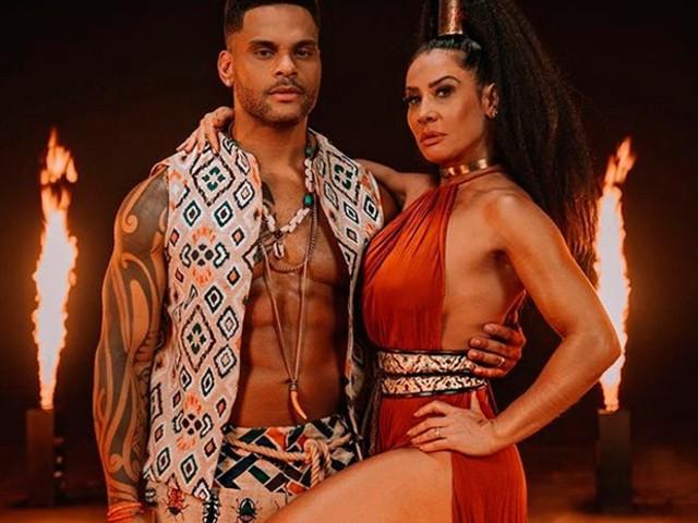 Scheila Carvalho se declara para o marido: 'Sou esposa de um guerreiro'