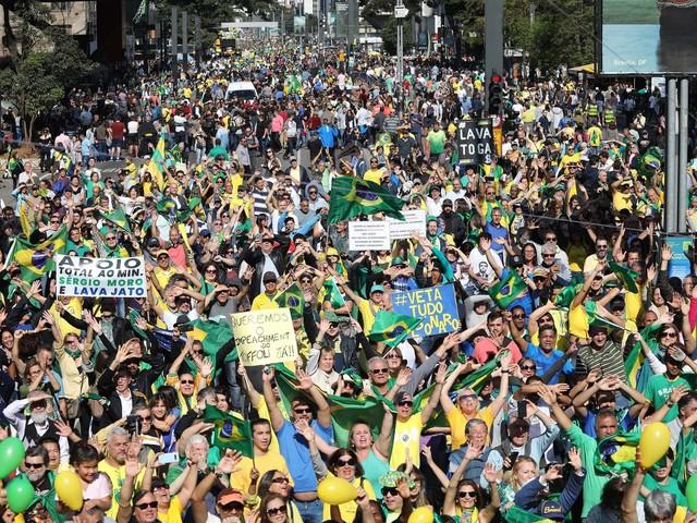 Em 12 estados e no DF | Protestos defendem Moro e Deltan e atacam projeto contra abuso de autoridade
