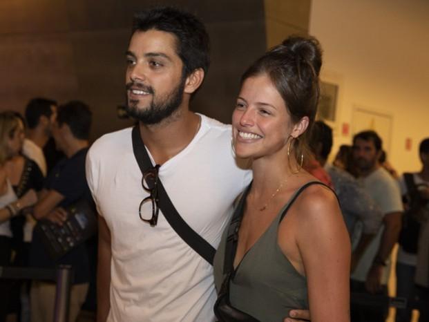 Agatha Moreira e Rodrigo Simas são flagrados em momento fofo; confira