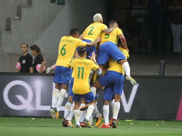 Brasil de Tite goleia e elimina o Chile. Enquanto Messi coloca a Argentina na Copa