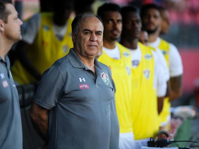 Marcelo Oliveira com problemas para escalar time