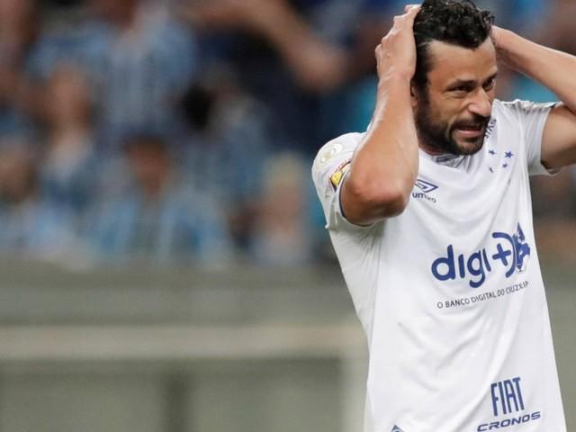 'Se desvincular, passamos a conversar', diz presidente do Fluminense sobre o atacante Fred