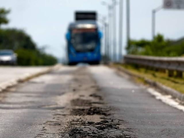 Mesmo após acordo entre prefeitura e Consórcio, corredores do BRT ficam ao deus-dará