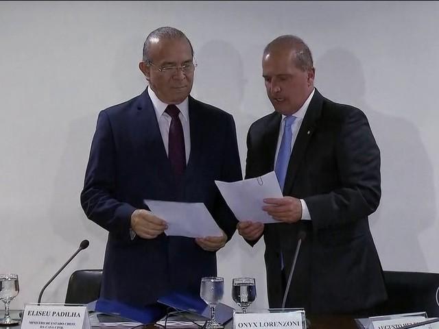Lorenzoni, futuro chefe da Casa Civil, discute transição com Padilha, atual ministro