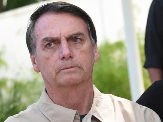 Bolsonaro pretende ir a Brasília para tratar de transição com Temer