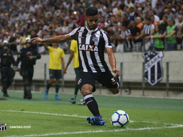 Ceará repete caso de Everson e cobra multa ao Santos por lateral