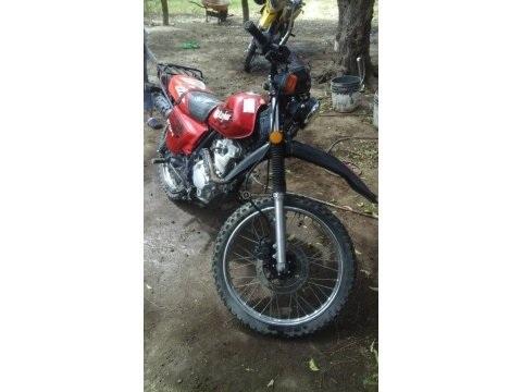 Ganga Vendo Moto Raybar 150, Año 2015.