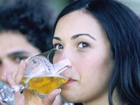 Un estudio español defiende el consumo de cerveza sin alcohol por su efecto antioxidante