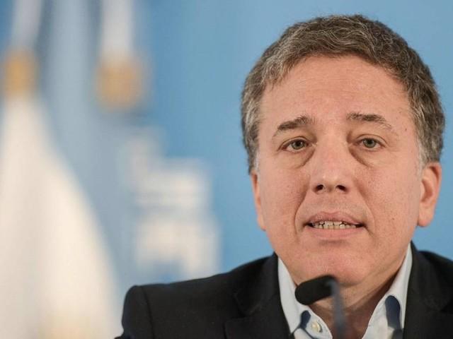 Em meio a crise política, ministro da Fazenda da Argentina renuncia