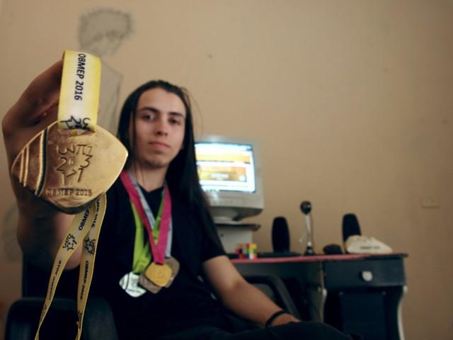 Estudo encontra 999 beneficiários do Bolsa Família que conquistaram 1.288 medalhas em olimpíada de matemática