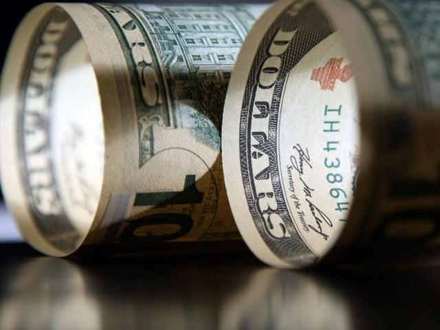 Dólar supera R$ 5,40 com tensão externa e preocupação fiscal