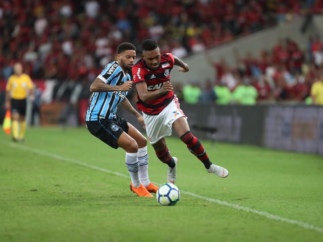 Classificação do Flamengo na Copa do Brasil não satisfaz Réver