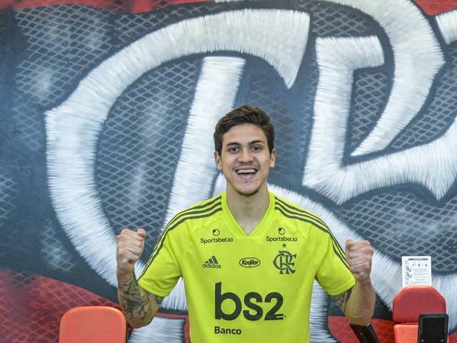 Apresentado no Flamengo, Pedro promete comemorar se marcar contra o Fluminense