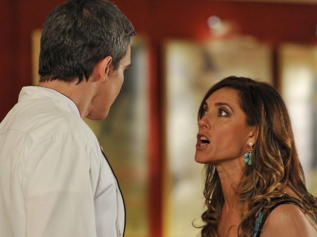 """Fina Estampa: Em reviravolta eletrizante, René acaba de vez com Tereza Cristina e a arrasta: """"Muito descaramento"""""""