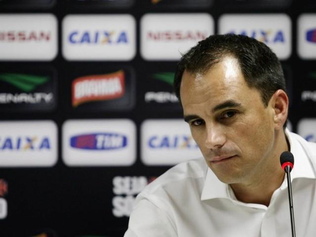Rodrigo Caetano, hoje no Flamengo, é sonho de consumo de Campello no Vasco
