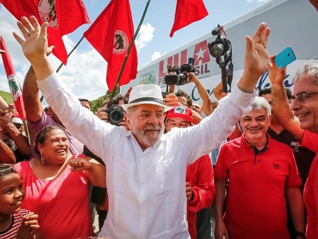 MST não vai acampar, mas mantém apoio a Lula