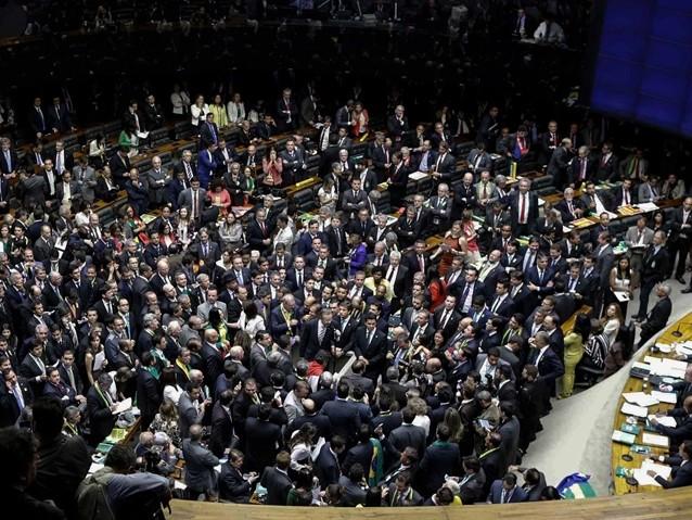 Os 48 políticos que podem perder o foro privilegiado após eleições