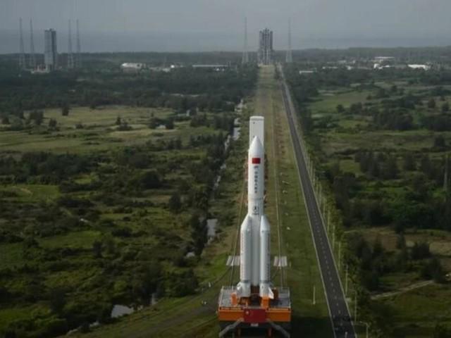 Estágio de foguete chinês retorna para a Terra e cai no mar; veja vídeos!