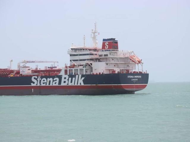 """Londres diz que Irão escolheu """"caminho perigoso"""" ao apreender petroleiro"""