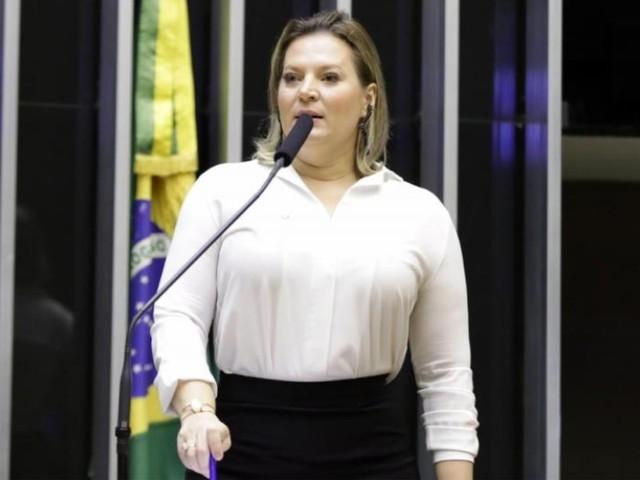 Mudanças na Previdência | Deputados juraram amor a Bolsonaro e agora se afastam, diz Joice de reforma