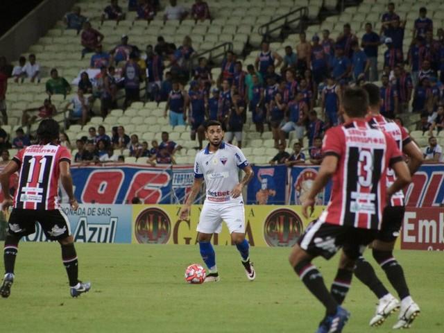 Fortaleza e Ferroviário empatam sem gols pelo Cearense