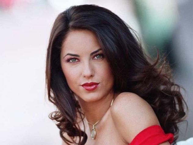 Antiga estrela da novela mexicana, Rubi do SBT, surge totalmente transformada e está irreconhecível