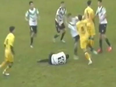 Jogo é suspenso após batalha campal em liga local na Argentina