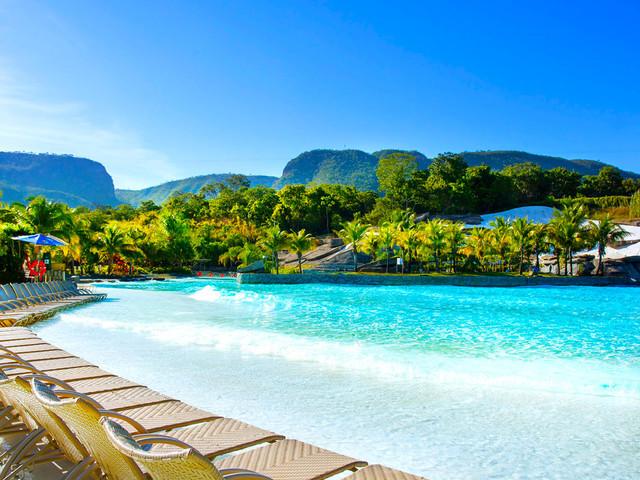 Pacotes com voos mais hospedagem no Rio Quente Resorts a partir de R$ 1.365 por pessoa, em 10x!