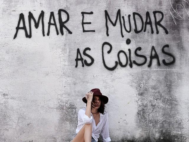 """""""Amar e Mudar as Coisas"""": Daíra interpreta Belchior em novo álbum"""