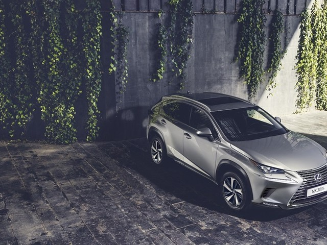 Lexus estreia SUV NX e renovado CT em Frankfurt