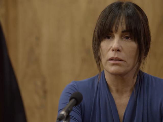 Aos 54 anos, Gloria Pires surge de biquíni em rede social, impressiona e coleciona elogios