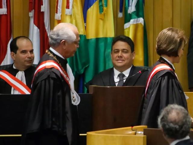 Presidente da OAB alfineta Bolsonaro