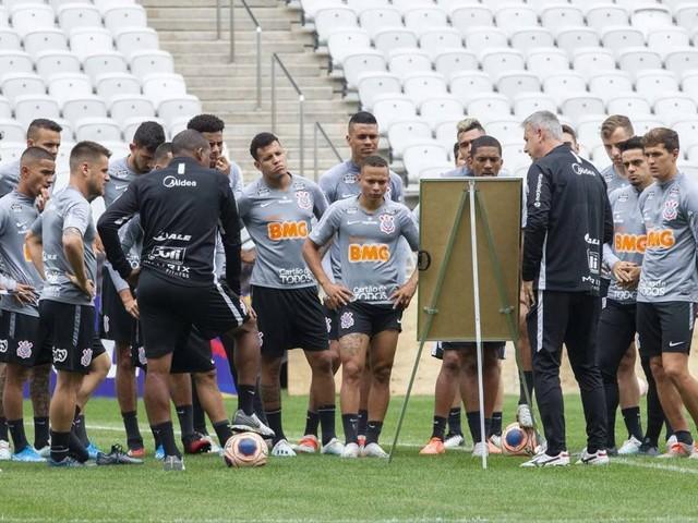Corinthians faz primeiro jogo oficial do ano contra o Botafogo-SP