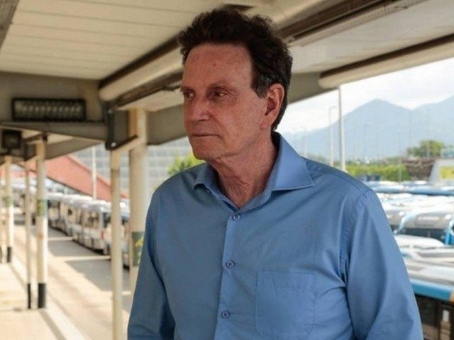 Juiz de Brasília determina bloqueio de contas de Crivella