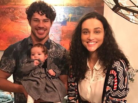 José Loreto se envolve com atriz casada de O Sétimo Guardião e Débora Nascimento descobre traição