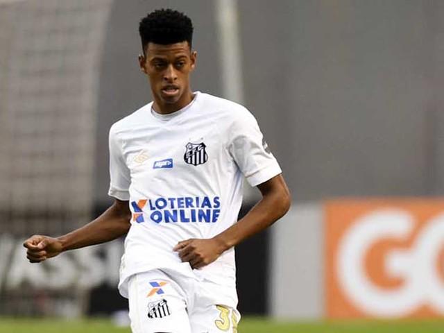 Com zagueiros suspensos, Santos precisará de Bambu contra o Fluminense