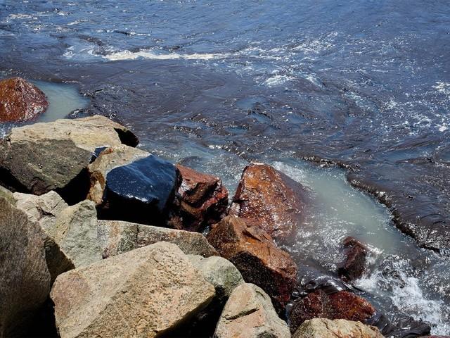 Justiça Federal determina que MPF especifique quais ações devem ser implementadas no litoral nordestino para conter manchas de óleo