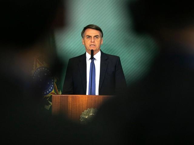 Gestão Bolsonaro | Após polêmicas, governo terá militar para coordenar redes