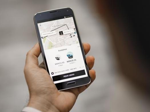 Uber testa ferramenta que transforma smartphone do passageiro em aviso luminoso