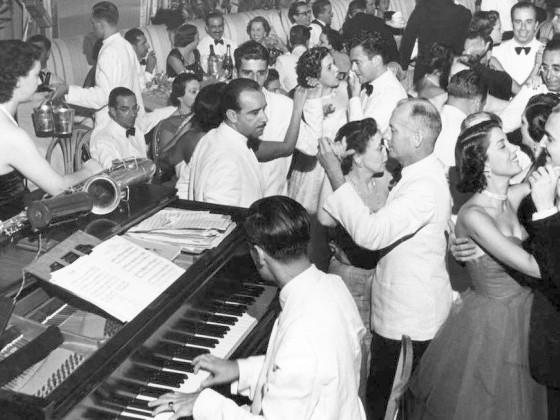 Dick Farney e a Americanização da Música Popular Brasileira: Cantor de Jazz + Samba = Samba-Canção