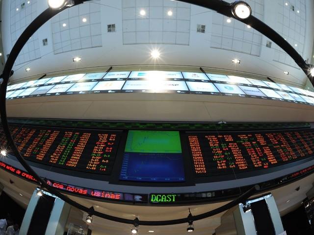 Estrangeiro volta e mercado renova aposta de olho na eleição